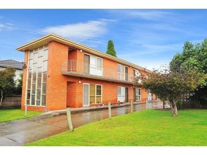 Photo of property at 125 Grange Road, Glen Huntly