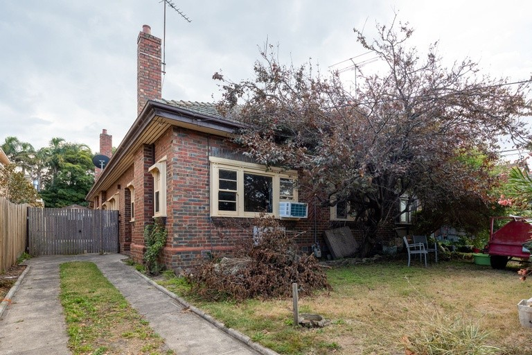 Photo of property at 17 Talbot Avenue, St Kilda East