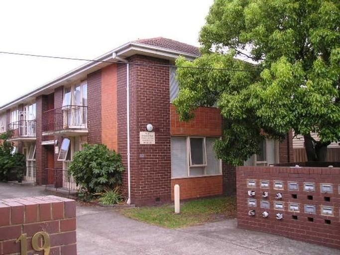 Photo of property at 21 Toolambool Road, Carnegie