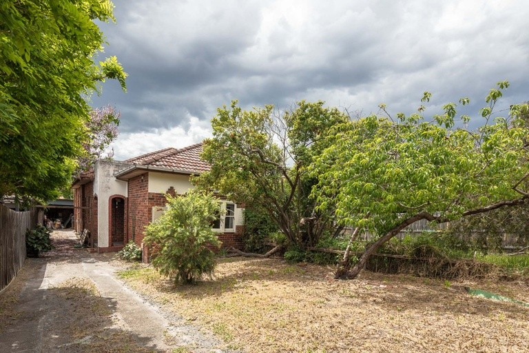 Photo of property at 25 Dover Street, CAULFIELD SOUTH