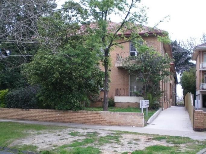 Photo of property at 448 Dandenong Road, CAULFIELD NORTH