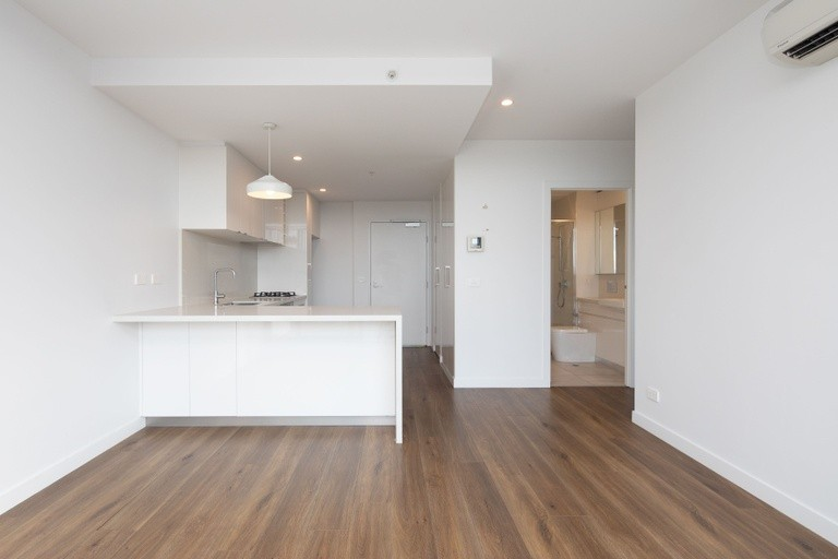 Photo of property at 70 Batesford Rd, CHADSTONE